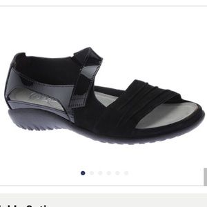 Naot papaki sandal